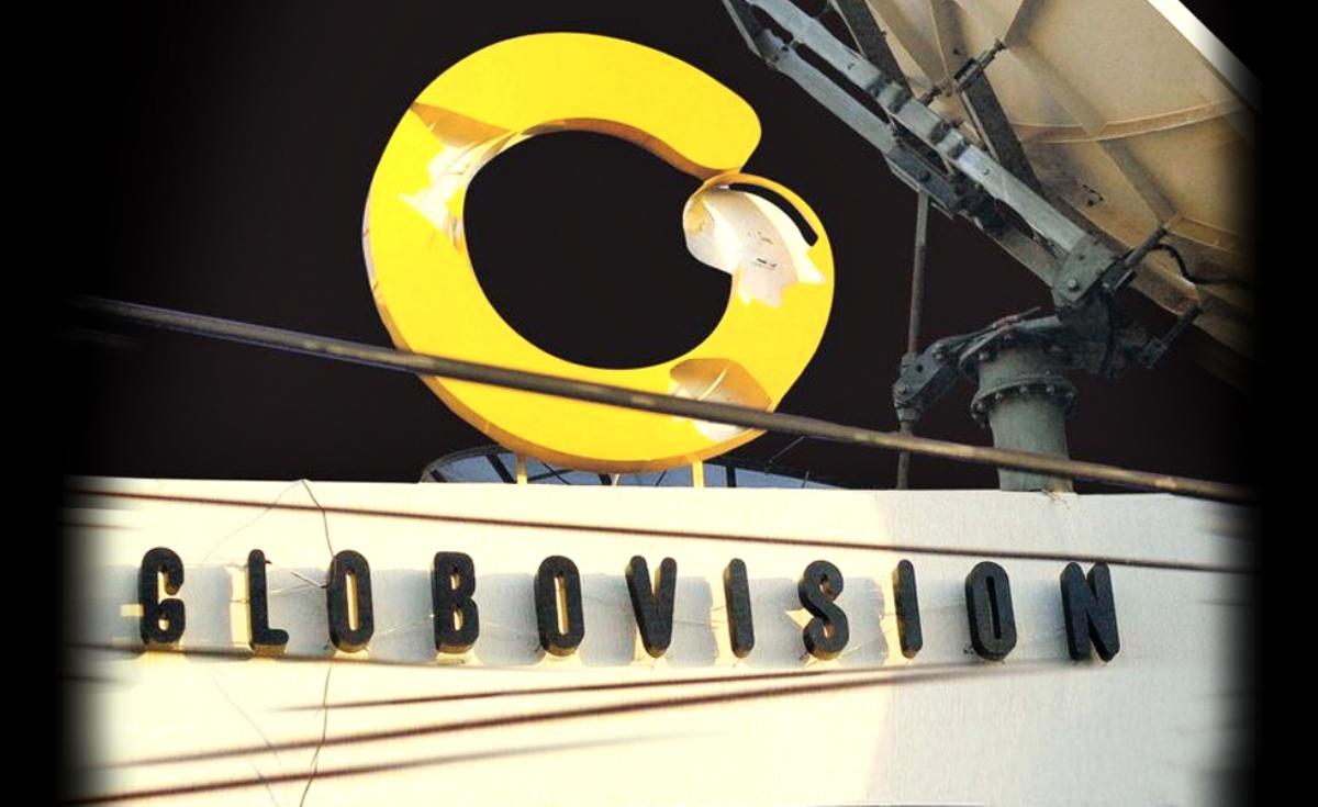 Globovisión sign on building with satellite dish